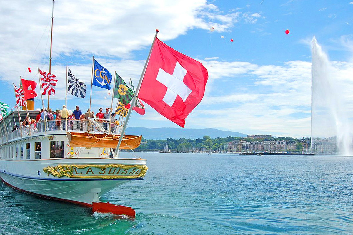 Boat cruise in Geneva